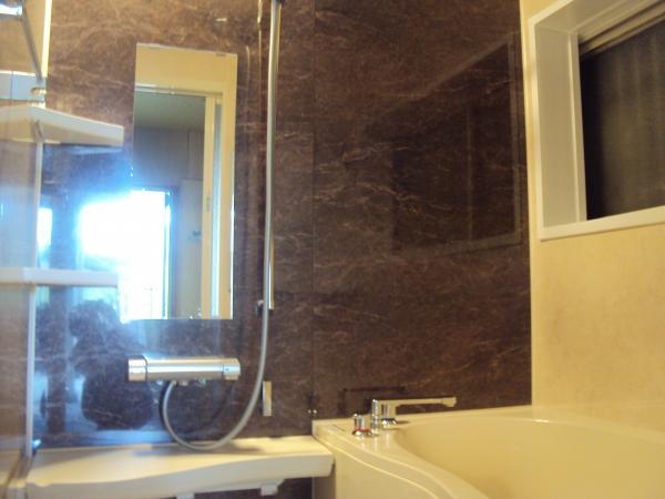 2年前に施工させて頂いたお客様の浴室・洗面改装工事!!