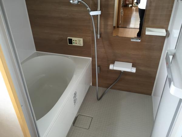 在来工法のお風呂からユニットバスへ!+外壁が蘇る塗装工事!